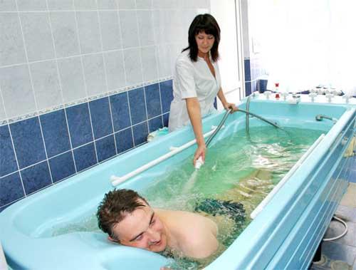 Подводный душ массаж при остеохондрозе